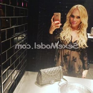 Simeonne wannonce escort à Sciez