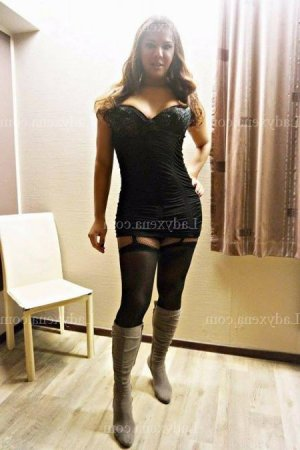 Mannel massage escorte girl ladyxena à Lançon-Provence