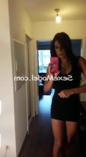 Hourida escort girl lovesita massage tantrique à Fécamp